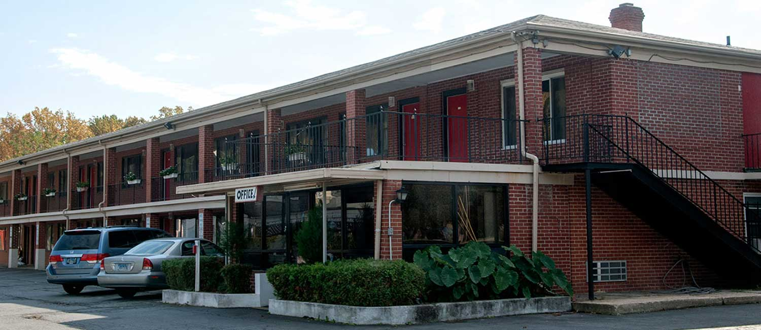 The White Gables Motel Is A Cozy Hotel In Millersville Providing Essentials During Your Travel